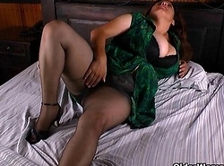 Latina milf Maribel plays in all directions her sextoys