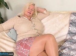 EuropeMature Old ladies Amy and Lacey toys by oneself